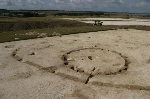 Early Bronze Age barrow and enclosure, Boscombe Down, Amesbury. Beaker pottery was retrieved from the central burial and the barrow ditch.