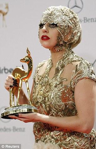 http://i.dailymail.co.uk/i/pix/2011/11/13/article-0-0EC0E89500000578-842_306x474.jpg