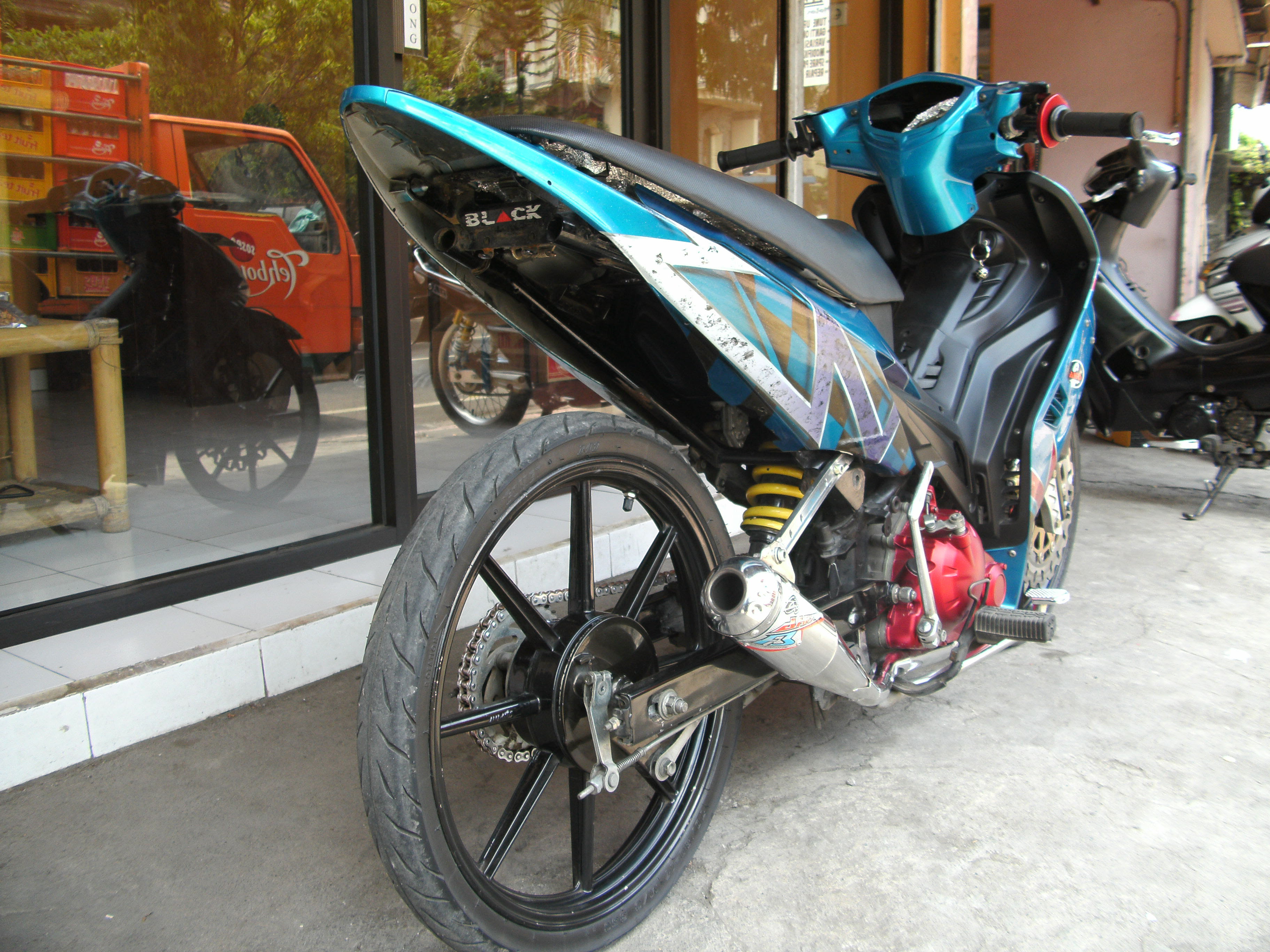 GAMBAR motor drag satria fu Modifikasi asik title=
