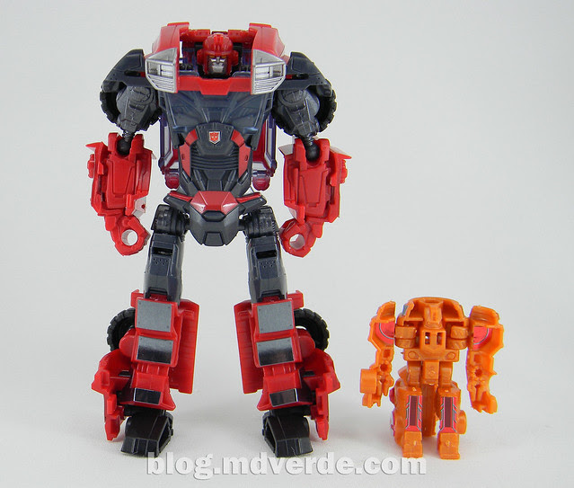 Transformers Ironhide Deluxe - Arms Micron - modo robot