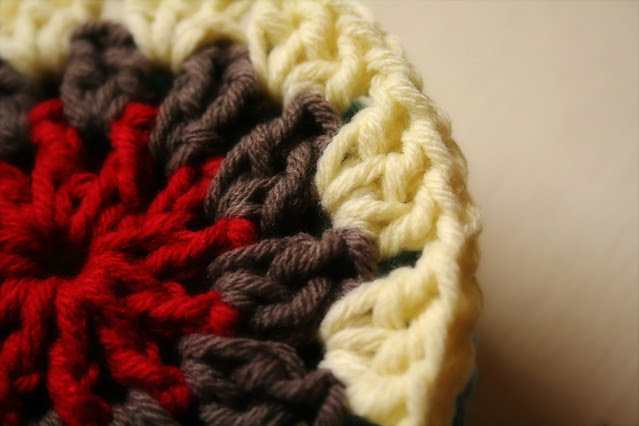 August 7, 2010: Hooked circle of yarn