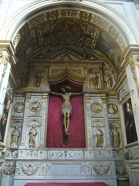 File:S M della Pace - altare del Crocifisso (scuola Bregno) 1270964.JPG
