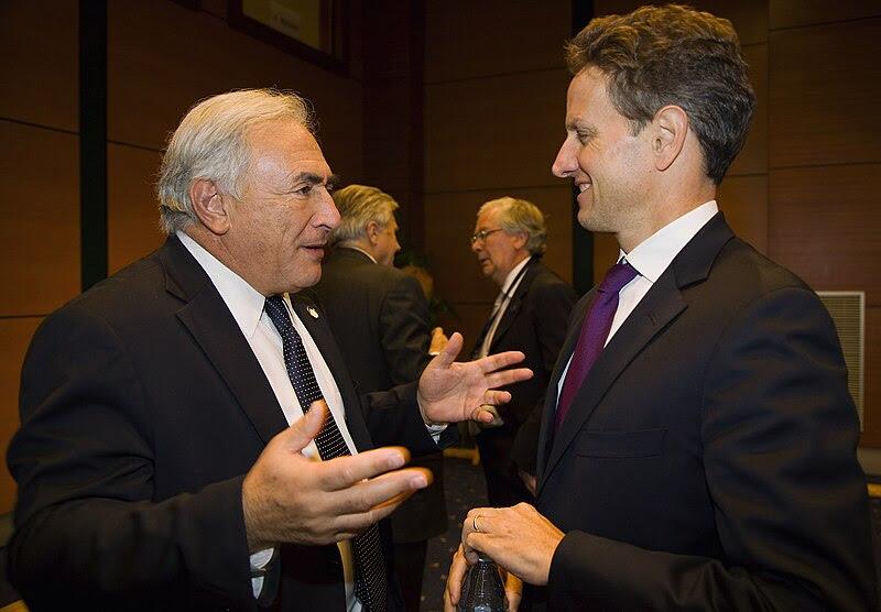 File: Strauss-Kahn, Geithner (IMF 2009) .jpg