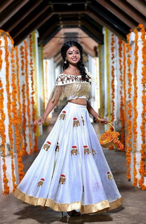 @pia2493   Crop top with Indian skirt   indische Kleidung