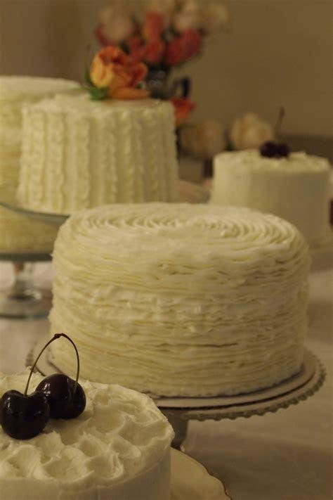 17 Best ideas about Multiple Wedding Cakes on Pinterest