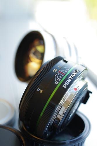 pentax fa 77mm f/1.8 limited vs pentax da 70mm f/2.4 limited