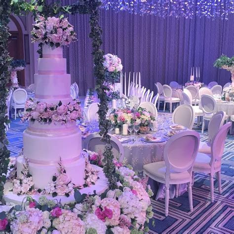 1000  images about The Caketress Cakes on Pinterest