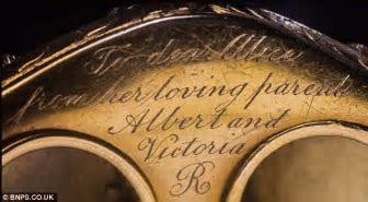 Queen Victoria: 'Rare' gold bracelet given to Princess