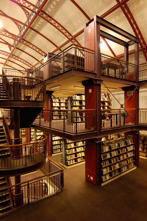 suki-da:  The Central Library in Cape Town, built inside an old drill hall. (via Flavorwire » 10 Wonderful Libraries Repurposed from Unused Structures)