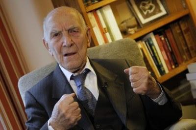 Stéphane Hessel, autor de indignai-vos morre aos 95 anos