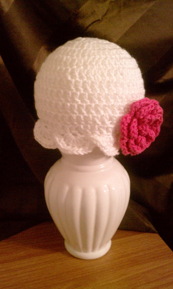 White Cloche with Detachable Flower - Toddler