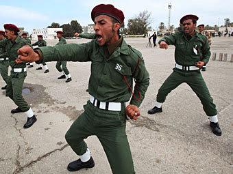 Ливийские солдаты. Фото Reuters