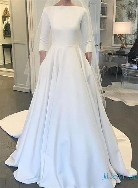 H0799 Gracefull U cut low back satin ball gown wedding dress