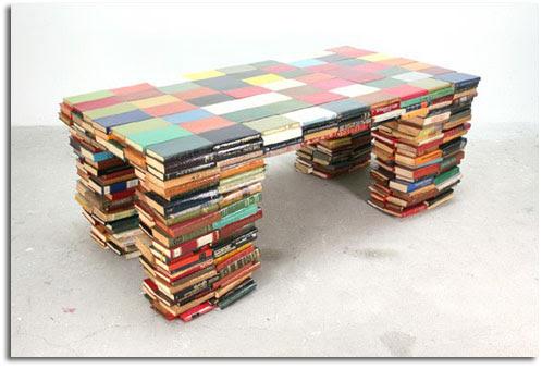 http://19bis.com/objectbis/wp-content/uploads/2008/07/libros1.jpg