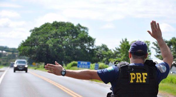 Policial-da-PRF-600x330 (1)