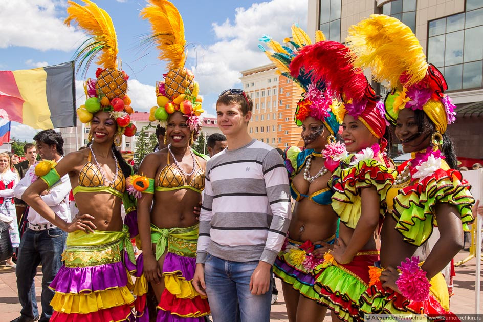 Бразильцы на фестивале болельщиков в Саранске