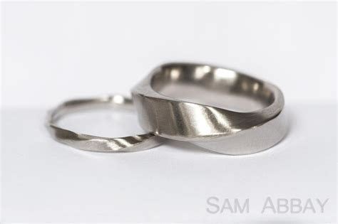 Twisted Bands ? New York Wedding Ring