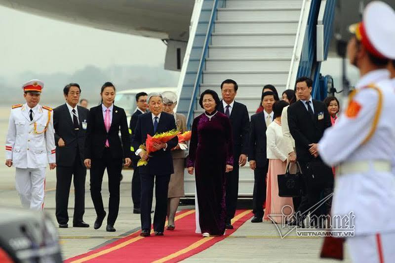 Nhà vua Nhật Bản, Hoàng hậu Nhật, Nhà vua và Hoàng hậu Nhật thăm Việt Nam