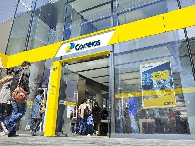Parceria do Serasa com Correios permitirá renegociação de dívidas nos guichê das agências