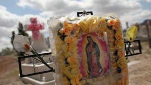Túmulos em Juarez, que tem palco de crimes relacionados ao tráfico (Foto: Getty)