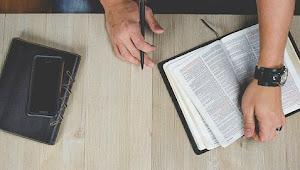Bagaimana Membaca Buku Membantu Pemilik Bisnis Kecil