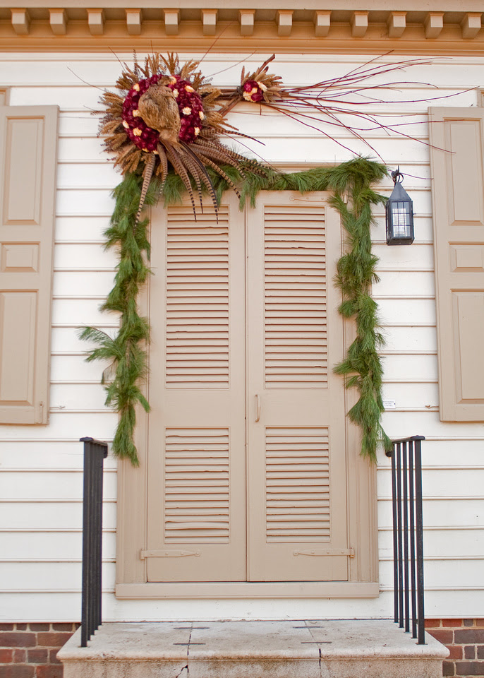 Colonial Williamsburg at Christmastime via foobella.blogspot.com