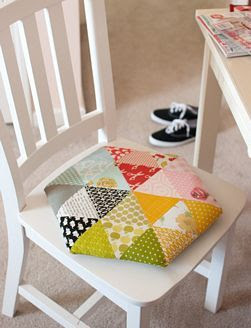 Retro Mama | Hexagon Pillow Tutorial