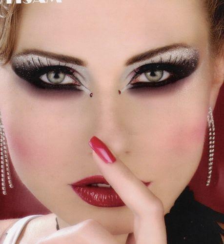 http://www.detodobelleza.com/wp-content/uploads/2012/10/Sombras-de-Ojos-para-una-Fiesta-12.jpg