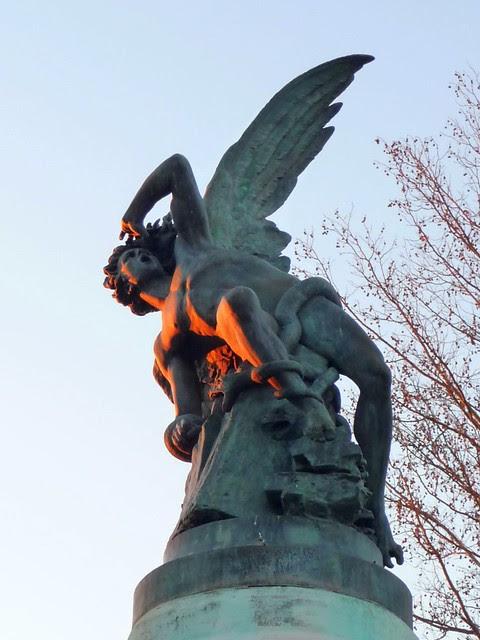 Fallen Angel Statue - Retiro park, Madrid