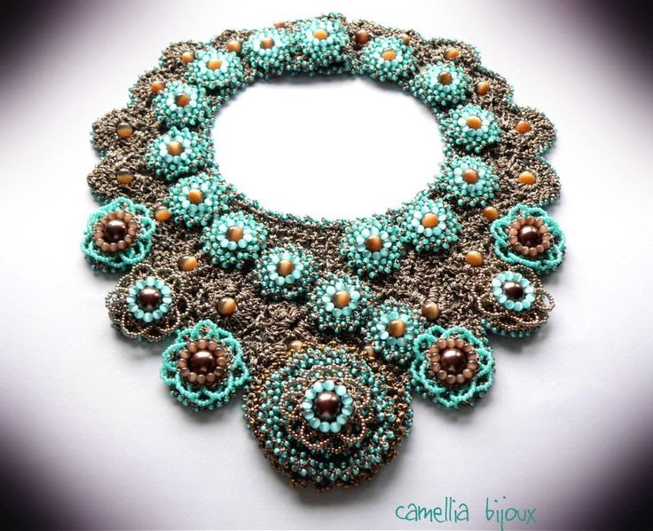 Camelia Bijoux: Coliere