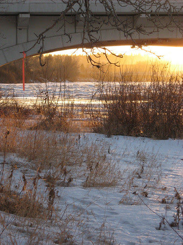 Sunset under the Louise Bridge