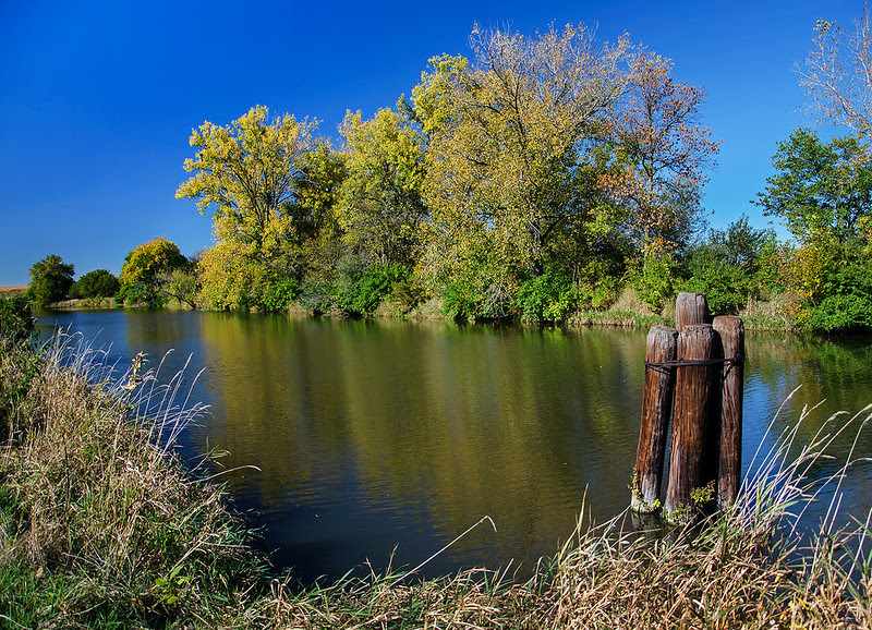 Color on the Hennepin Canal