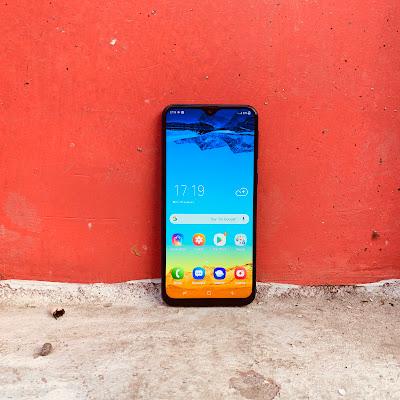 126df3434aa Amazon reveals Prime Day discounts on premium smartphones - Times of ...