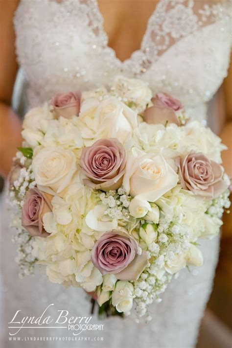 white and blush wedding bouquet, blush roses, white roses
