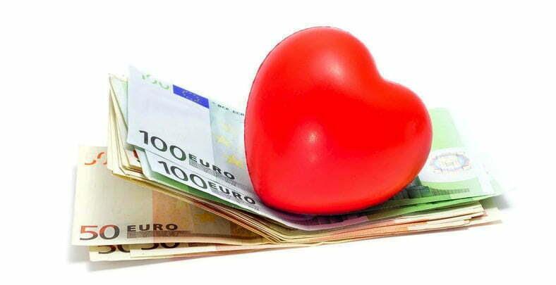http://www.yogaenred.com/wp-content/uploads/2013/11/Amor-dinero.jpg