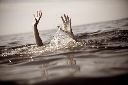 http://mariovittone.com/wp-content/uploads/2010/05/drowning.jpg