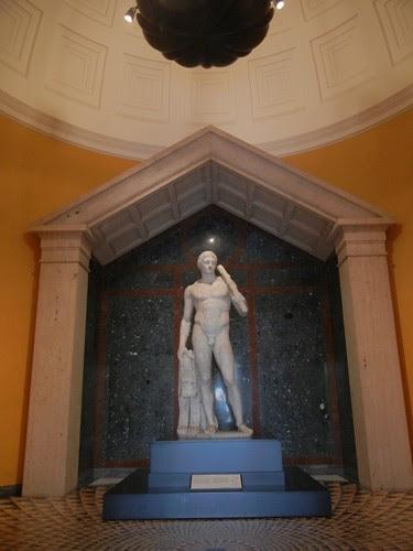 DSCN7355 _ The Lansdowne Herakles, Roman, c. A.D. 125, Getty Villa, July 2013