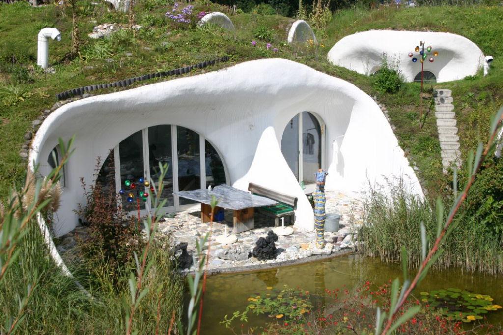Casa oásis oculta sobre a terra na Suíça 06