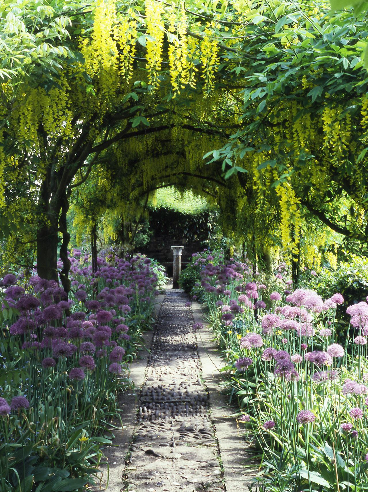 barnsley_house_garden_315_jpg_original