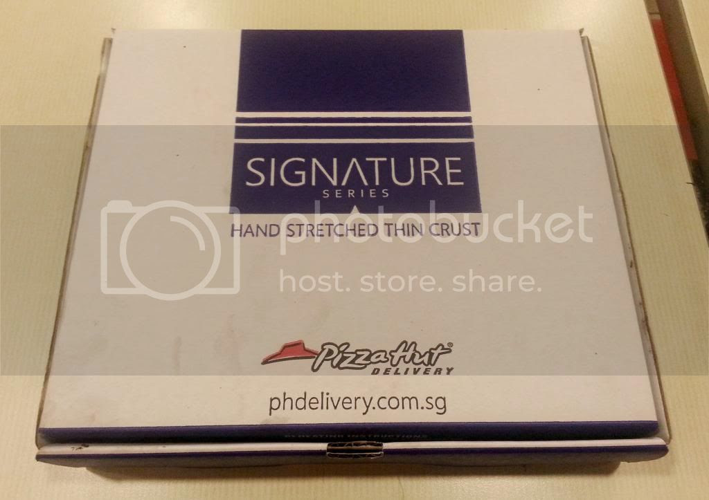 photo PizzaHutSignature02.jpg