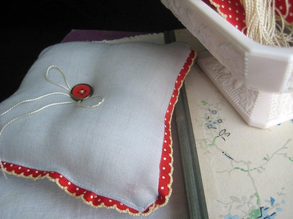 Lola Ring Pillow