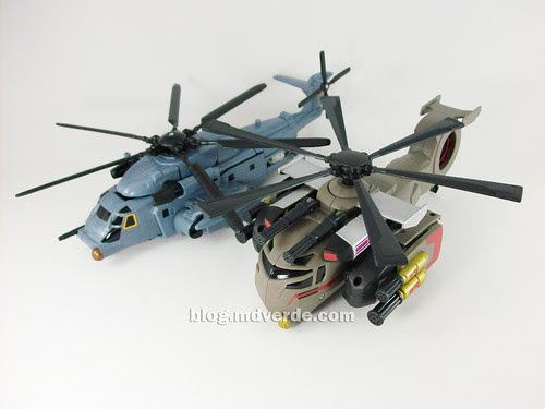Transformers Blackout Animated Voyager Takara vs Blackout Movie - modo alterno