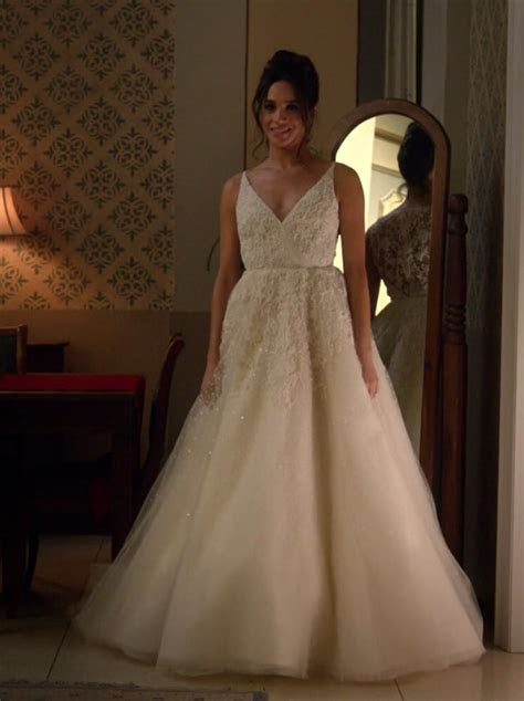 Meghan Markle's First Appearance in an Anne Barge Gown