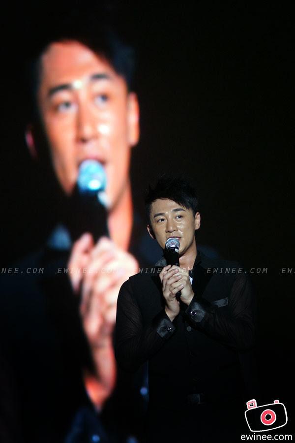 RAYMOND-LAM-LIVE-IN-MALAYSIA-SUNWAY-LAGOON-2011-2