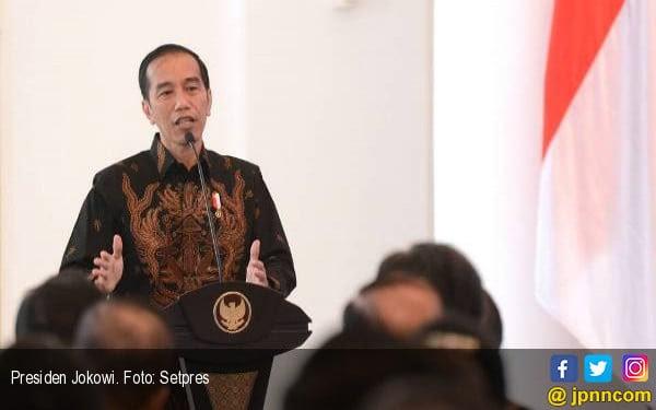 Jokowi Berkomitmen Menyederhanakan Perizinan - JPNN.COM