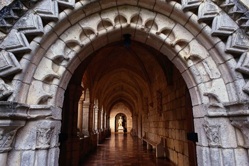 Claustro del monasterio cisterciense de Sacramenia (Segovia), hoy en Miami Beach (EE UU).