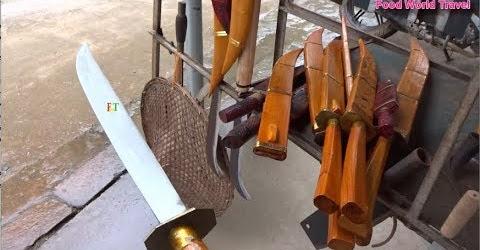 Kỳ lạ lò làng rèn Phúc Sen nổi tiếng nhiều dao kiếm các loại The Sharpest Knives