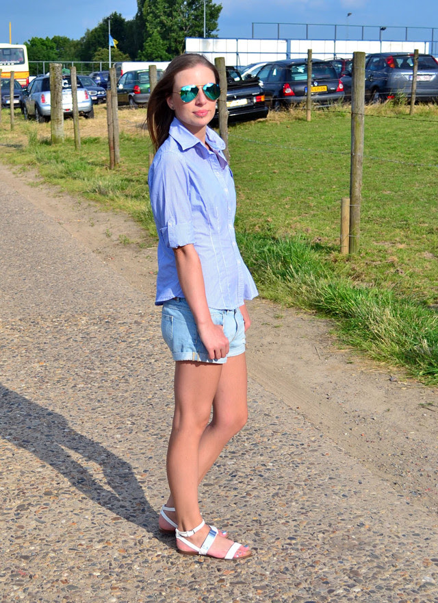 stripes jbc h&m denim shorts shirt blouse summer 2013 belgium ray ban mirror 3025 zara sandals white