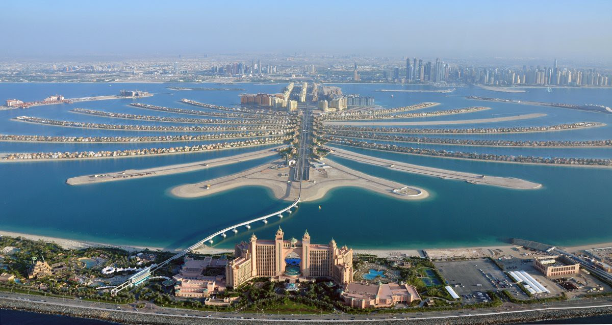 "11. View of the hotel ""Atlantis"" and the Palm Jumeirah.  Palm Islands can be seen from space.  in the world, Dubai, Beauty"