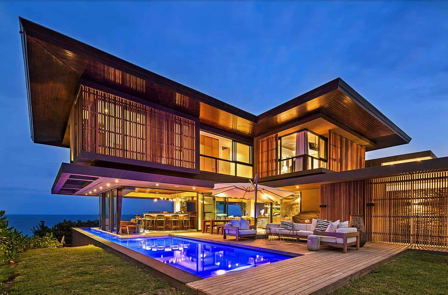 Tropical Modern Home Metropole Architects 00 1 Kindesign